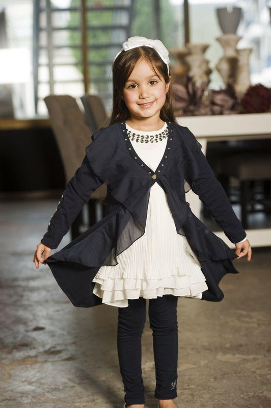 детская одежда связанная на вилке